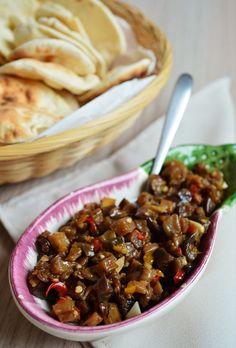 O antepasto de berinjela é uma ótima opção para servir como aperitivo, aprenda a receita!