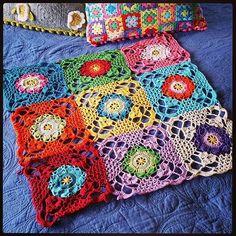 Crochet Squares, Crochet Granny, Crochet Motif, Knit Crochet, Granny Squares, Crochet Patterns, Crochet Blankets, Crochet Crafts, Crochet Projects