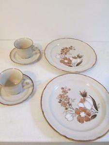 6pc-set-Vintage-Autumn-Fair-Hearthside-Baroque-Plate-Teacups-Saucers-for-Two