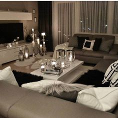 43 Modern Glam Living Room Decorating Ideas - Home Decor Design Glam Living Room, Living Room Decor Cozy, Interior Design Living Room, Home And Living, Living Room Designs, Glam Room, Simple Living, Dream Rooms, Living Room Inspiration