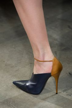 Narciso Rodriguez Fall 2013 RTW - Details - Fashion Week - Runway, Fashion Shows and Collections - Vogue