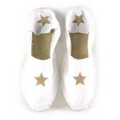 Alpargata hecha a mano de lona con estrella visón. Cute Shoes, Me Too Shoes, Shoe Display, Kinds Of Shoes, Espadrilles, Baby Shoes, Creations, Slippers, Footwear