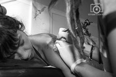 Tatuando el cariño by Encarna Martinez on 500px
