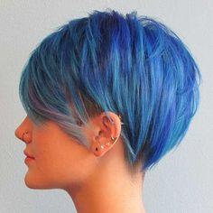 Short haircut with color blue - Cabello corto de color azul