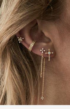 Mini Bead Bar Stud earrings in Gold fill, short gold bar stud, gold fill bar post earrings, gold bar earring, minimalist jewelry - Fine Jewelry Ideas Ear Jewelry, Rose Gold Jewelry, Cute Jewelry, Bridal Jewelry, Jewelery, Jewelry Accessories, Women Jewelry, Jewelry Shop, Bar Stud Earrings