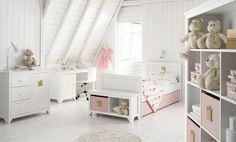 White & pink girls room I children I kids @Linda Bruinenberg Jones White