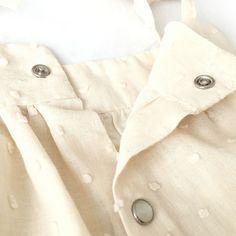Cubrepañal: ¡El patrón definitivo! Tutorial y patrón gratis Costura Diy, Dressmaking, Leo, Raincoat, Knitting, Sewing, Jackets, Clothes, Fashion