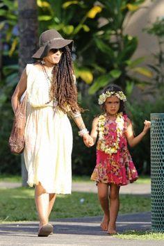Lisa Bonet with daughter she had by Jason Momoa ... Lola Lolani Momoa