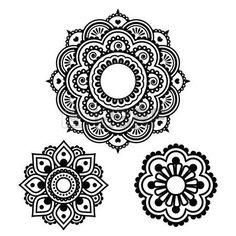 henna tattoo: Tatouage au henné indien forme ronde - modèle Mehndi
