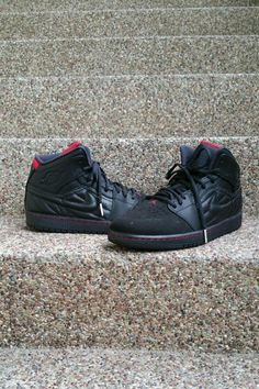 online store 08936 fded2 NIKE Air Jordan 1 Retro 99 - Remake of the iconic original design - Leather  upper - Air-Sole heel unit - Lightweight cushioning