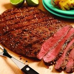 Franse Knoflook Steaks van de grill – Food And Drink Grilled Steak Recipes, Grilled Meat, Grilling Recipes, Meat Recipes, Cooking Recipes, Healthy Recipes, Protein Recipes, Dinner Recipes, Healthy Foods To Eat