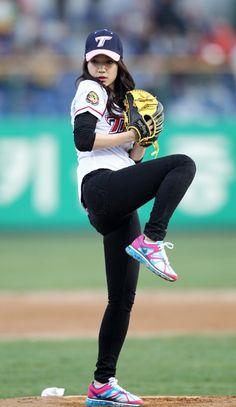 박신혜 시구 Park Shin Hye first ball in stadium 랜디 신혜, 퍼펙트 라인, Perfect Pose
