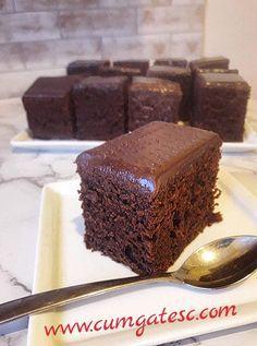 Negresa glazurata cu ciocolata (brownies)   Cum Gatesc Cinnamon Desserts, Chocolate Desserts, Vegan Desserts, Sweets Recipes, Healthy Dinner Recipes, Baking Recipes, Good Food, Yummy Food, Vegan Thanksgiving