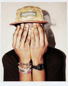 Supreme Fashion Gallery, Men's Fashion, Supreme Hypebeast, Box Logo, Product Photography, Fashion Pictures, Streetwear Fashion, Snapback, Camo