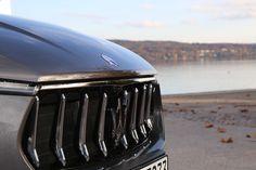 Kann dieser Grill des Maserati Levante lügen? Also schnell zu Sixt.