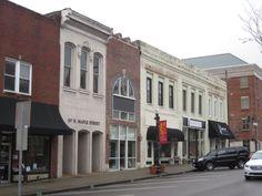 Murfreesboro on the square  (© 2013 Susan Ashley Michael)