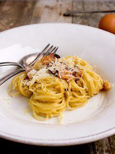 Špagety po uhlířsku / spaghetti alla carbonara Spaghetti, Pasta, Ethnic Recipes, Noodle, Pasta Recipes, Pasta Dishes