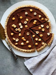 This Parisian-style flan dessert is a recipe that'll whisk you away to France! Flan Dessert, Dessert Recipes, Chocolate Hazelnut, Chocolate Desserts, Other Recipes, Sweet Recipes, Apricot Tart, Ricardo Recipe, Sugar Pie