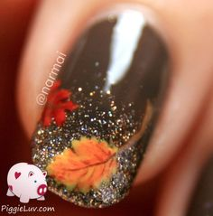 Autumn leaves on glitter gradient PiggieLuv: Fall nail art! Autumn leaves on glitter gradientPiggieLuv: Fall nail art! Autumn leaves on glitter gradient Fancy Nails, Diy Nails, Cute Nails, Pretty Nails, Manicure Ideas, Thanksgiving Nail Art, When Is Thanksgiving, Thanksgiving Door Decorations, Thanksgiving Cupcakes
