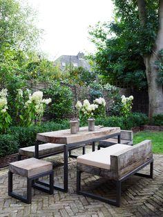 Modern rusticity in the garden