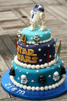 Amazing Star Wars cake. Love the detail on this!