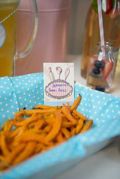 Extra knusprige Süßkartoffelchips sind der absolute Hit auf jeder Party und dürfen bei keinem Fest fehlen, gesunde Limonade bildet den krönenden Abschluss!