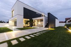 Design: Exterior (The Modern C House by Parasite Studio)