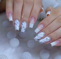 Bling Acrylic Nails, French Acrylic Nails, Cute Acrylic Nail Designs, Long Nail Designs, Yellow Nail Art, Solid Color Nails, Nail Designer, Baby Boomer, Dream Nails