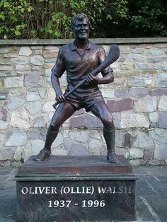 Ollie Walsh: The Uncrowned King of Hurling Irish Culture, Sculptures, Football, King, Music, Sports, Crafts, Soccer, Musica