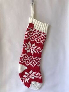 Christmas Cream Gold Embroidered Holly Berry Decorative Fingertip Towel NWT $13