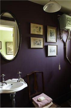 Dark purple bathroom with Brinjal by Farrow & Ball Dark Purple Bathroom, Dark Purple Walls, Plum Bathroom, Purple Bathrooms, Purple Rooms, Dark Walls, Bathroom Colors, Plum Purple, Purple Mirror