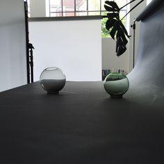 Photoshoot AYTM's Globe vases in Heimat studio