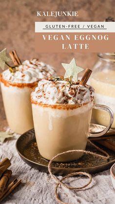 Eggnog Latte Recipe, Eggnog Coffee, Frappe Recipe, Espresso Recipes, Coffee Recipes, Tea Recipes, Gingerbread Latte