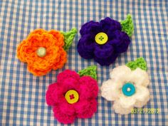 little crochet flowers brooch $5/piece