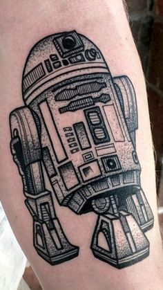 Dot work R2D2 by Sarah Herzdame during a guest spot at Old Tyme Tattoo in Fullerton, CA - Imgur