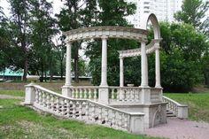 Колоннада с лестницами.пойма Яузы,Менжинского,40