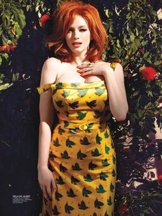 Hot damn! Christina Hendricks is a great role model for all kinds of women, curvy or otherwise #GirlsBehavingRadly