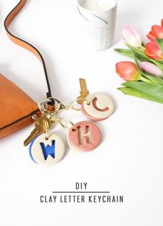 DIY Clay Letter Keychain DIY clay letter keychain by Sugar & Cloth, an award winning DIY, home decor, and recipes Polymer Clay Crafts, Diy Clay, Polymer Clay Jewelry, Easy Home Decor, Handmade Home Decor, Home Decor Accessories, Decorative Accessories, Clothing Accessories, Crea Fimo
