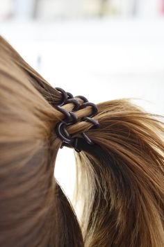 Say HELLO to the knights in spiral armor – The revolutionary invisibobble hair tools put an end to all challenges you've had tying up your hair. Best Hair Ties, Coil Hair Ties, Perfect Ponytail, Hair Rings, Braided Ponytail, Hair Tools, Beauty Queens, Cut And Color, Your Hair