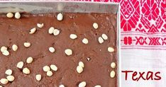 One bowl easy Texas sheet cake recipe with step by step pictures. Chocolate Fudge Frosting, Best Chocolate Cake, Chocolate Color, Easy Texas Sheet Cake Recipe, Sheet Cake Recipes, Kitchen Queen, Bowl Cake, Pan Sizes, Just Bake