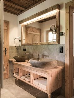 The latest trend in bathroom design are ideas for the rustic bathroom. Rustic Bathroom Designs, Rustic Bathroom Vanities, Bathroom Interior Design, Small Bathroom, Bathroom Ideas, Relaxing Bathroom, Bathroom Organization, Bathroom Storage, Modern Bathroom