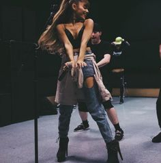 Ariana Grande au Centre Bell de Montréal en mars 2017   HollywoodPQ.com