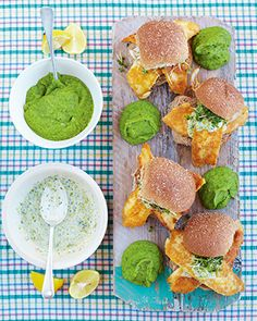 Fish Sandwich - the best fish baps with mushy peas & tartare sauce : Jamie Oliver Jamie's 15 Minute Meals, 15 Min Meals, Jamie Oliver 15 Minute Meals, Jamie Oliver Fish Recipes, Seafood Recipes, Cooking Recipes, Mushy Peas, Fish Finger, Finger Food