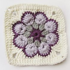 ..:frywolitki i inne koronki:..: TUTORIAL: African Flower - jak zrobić piękny szydełkowy motyw