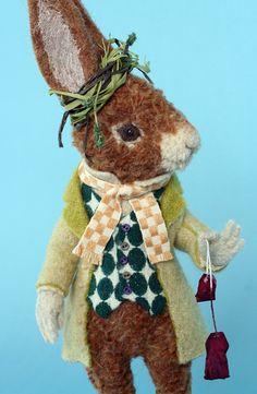 Needle felted rabbit. 羊毛倉庫の日々