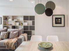 El comedor, en un lateral- Micasarevista Interior Minimalista, Shelving, Living Room, Home Decor, Image, Environment, Warehouse Home, Clean Design, Roof Lantern