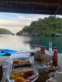 Paolyn Houseboats breakfast on private terrace Top Hotels, Hotels And Resorts, Amazing Destinations, Holiday Destinations, Global Holidays, Siargao Island, Water Villa, Dubai Hotel, Easter Island