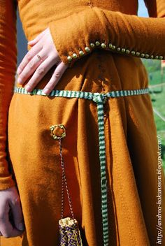 Recreating History -lovely way to wear the purse