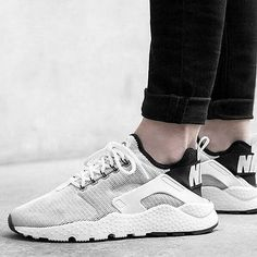 purchase cheap 217aa d70c3 Damen, Huarache Run, Nike Schuhe Huarache, Sneakers Mode, Extravagante  Schuhe, Sommerschuhe