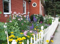 cottage garden on side of house